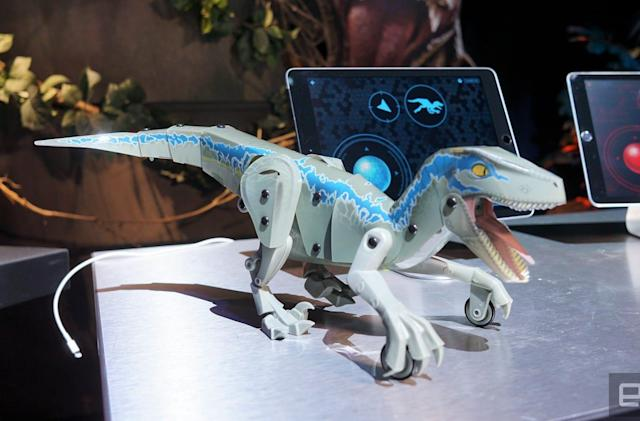 Mattel's 'Jurassic World' dino-bots are surprisingly realistic