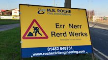 'Rerd werks' sign in Yorkshire accent brings smiles to drivers and social media