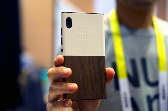 A closer look at NuAns' Neo, the prettiest Windows 10 phone