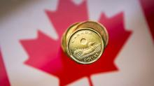 Canadian dollar hits five-week low as data supports gradual rate hike approach