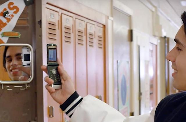 Motorola's legendary RAZR flip phone is making a comeback (update: nope)