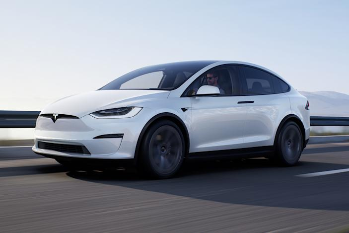 Tesla starts delivering refreshed Model X to customers