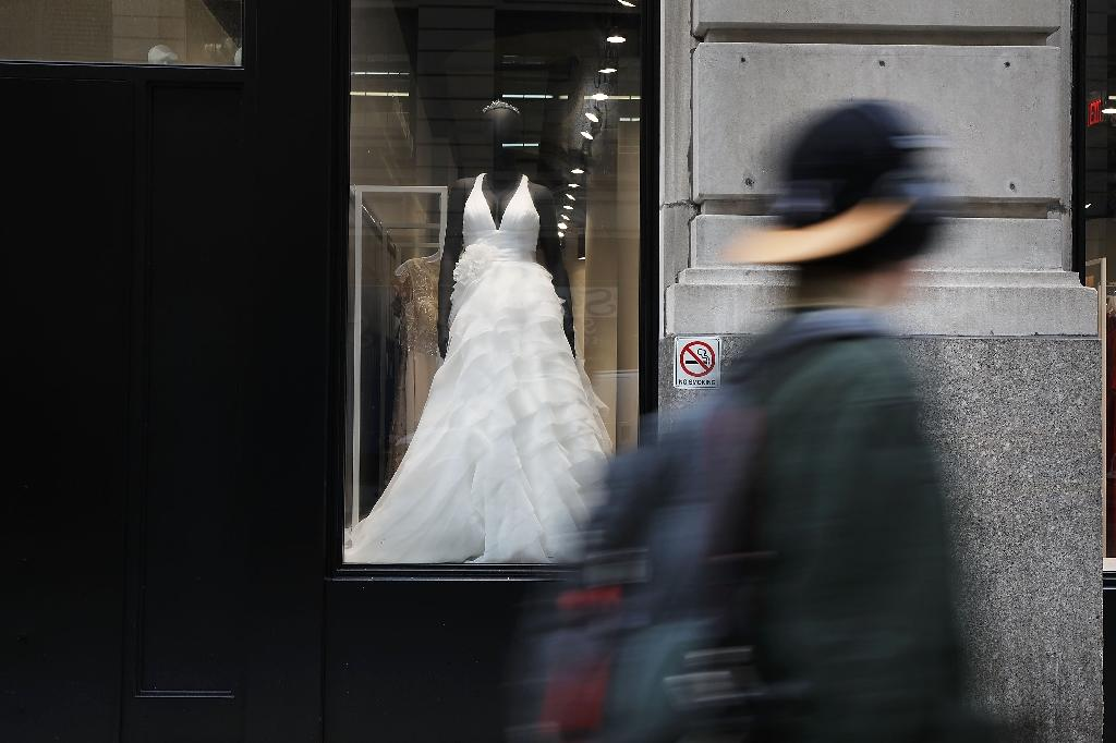 The US government shutdown has meant that couples tying the knot in the nation's capital cannot actually be issued with marriage licenses