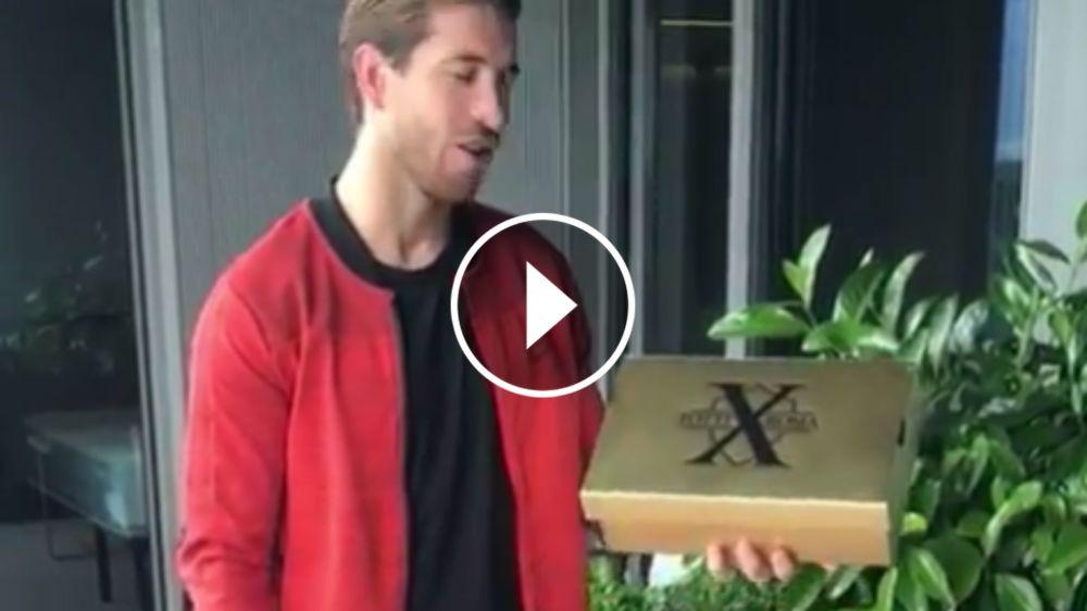VÍDEO: Sergio Ramos recibe un regalo especial de parte de Totti