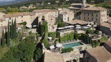 Crillon-le-Brave : le village hôtel