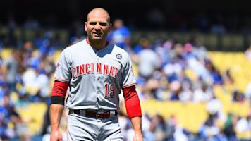Votto's popout to first ends incredible streak