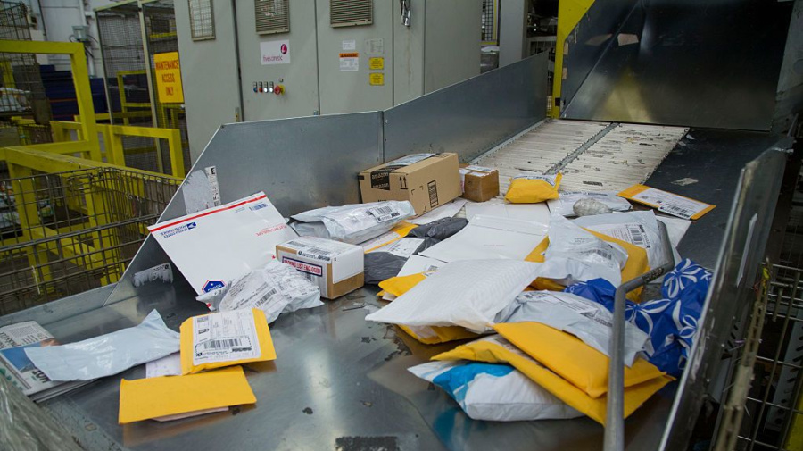 Expect mail delays for the 'foreseeable future': Canada Post