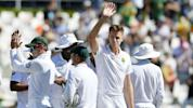 Lyon and Paine frustrate Proteas after Morkel joins 300 club
