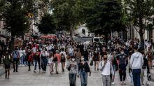 """Demande d'assouplissement du port du masque dans le Rhône : """"Ce sont des décisions assez curieuses"""", juge le maire UDI de Sceaux"""