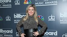 Kelly Clarkson Debuted a Sleek Lob on the 2018 Billboard Music Awards Red Carpet
