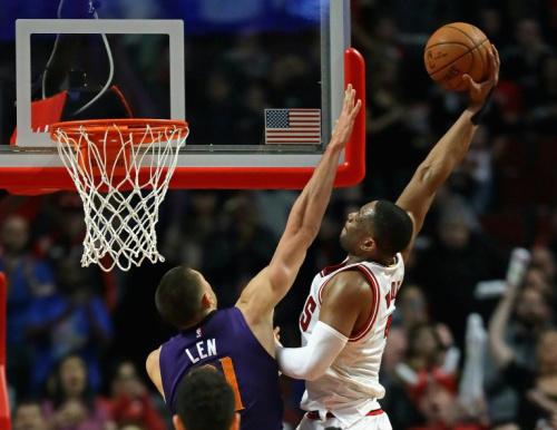 NBA馬刺撞翻快艇 3連勝到手.