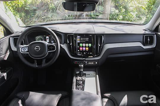 整合多項功能的直立式中央大螢幕,採用與智慧型手機類似的操作邏輯,相當易於上手。
