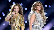 Shakira e J-Lo fazem show histórico no Super Bowl e fãs piram