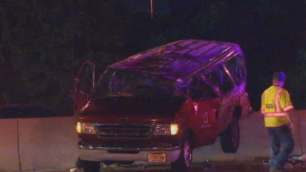 1 killed, 4 injured in Garden State Parkway crash