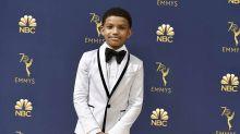 """Cet acteur de """"This is Us"""" dénonce le racisme qu'il subit déjà à 12 ans"""