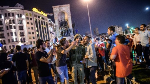 Some 32,000 suspects arrested in Turkey coup probe: minister