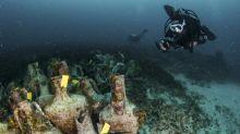 """""""Le Parthénon des naufrages"""" : la Grèce inaugure son premier musée sous-marin, une épave antique"""