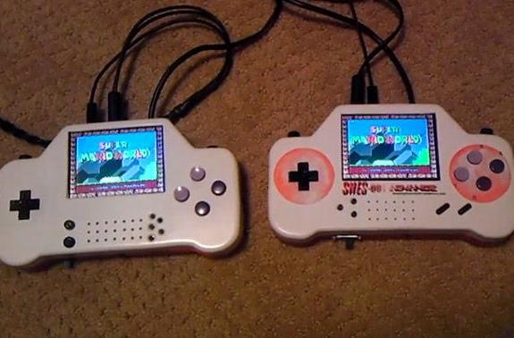 SNES-001 Advance gives two retro gamers a screen to play, guarantees no fights for TV time (video)