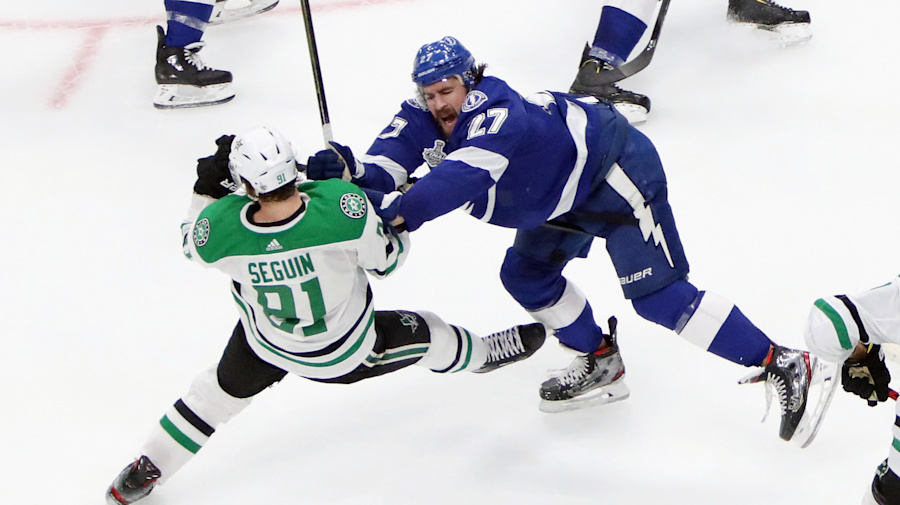 Watch live: Even Bolts-Stars series goes to Game 3