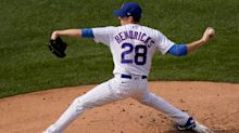 Hendricks leads Cubs past Cardinals, Blue Jays deliver 10-run inning