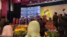 Dad accepts late daughter's graduation scroll in tears at UiTM convocation (VIDEO)