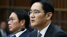 Samsung Billionaire Heir to Cede Board Seat Before Bribery Probe