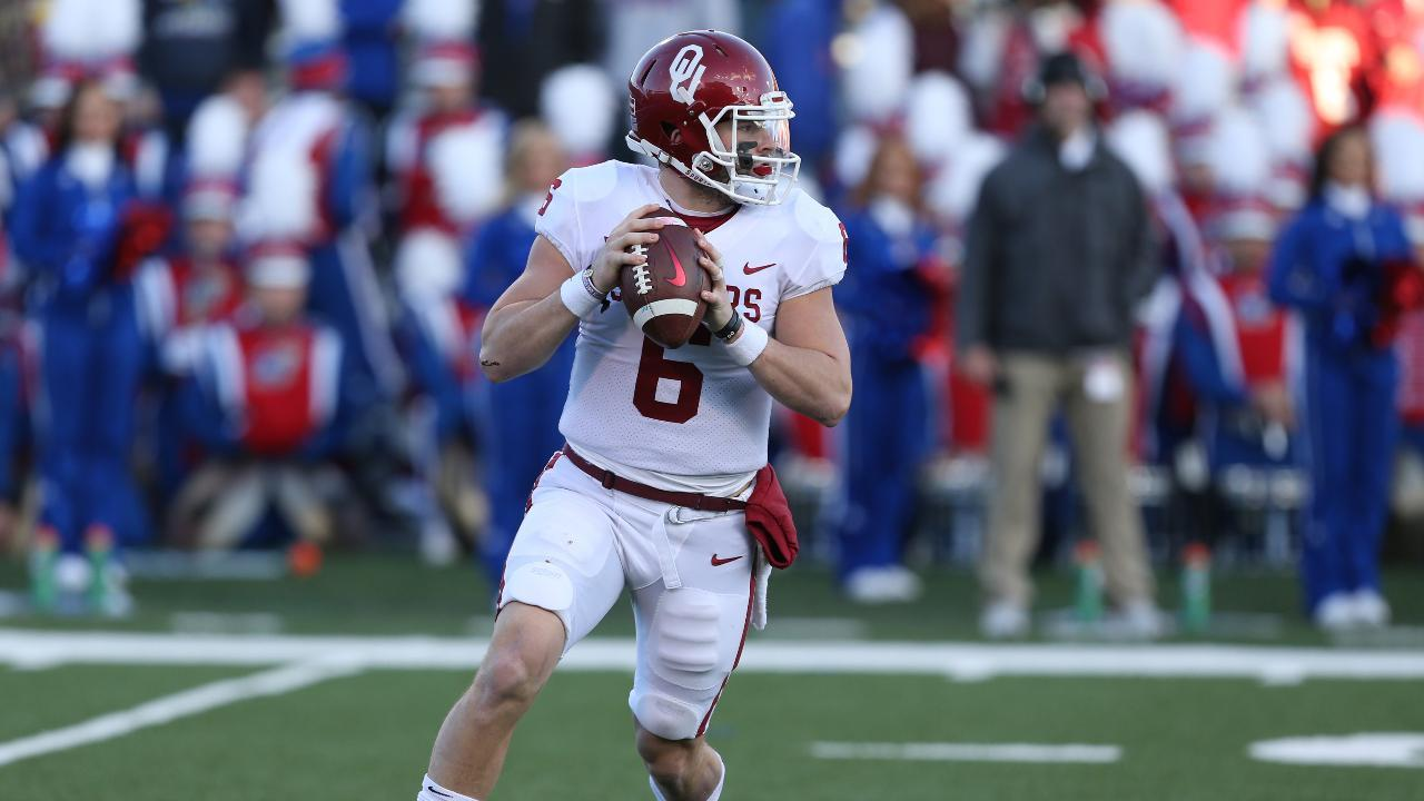 Oklahoma QB Baker Mayfield Apologizes for Inappropriate Gesture Towards Kansas Sideline [Video]