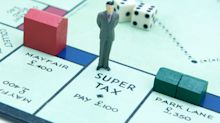 Man travels the Monopoly route during London lockdown