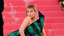 Miley Cyrus vende camisinhas a US$ 20 para promover novo EP