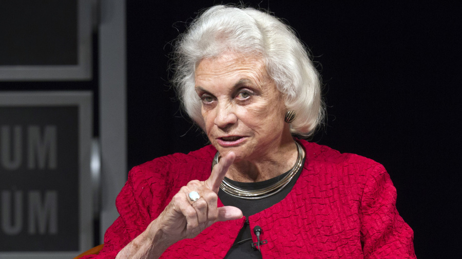 Sandra Day O'Connor says she has dementia