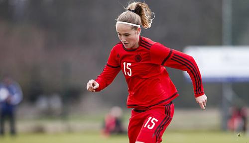 Frauen-Fußball: Bayern bindet Talente Wieder und Lohmann