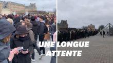 À cause du coronavirus, le musée du Louvre est resté fermé ce dimanche