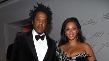 Beyoncé's Strapless Gown Features a Leg Slit Reaching Up to Her Hip