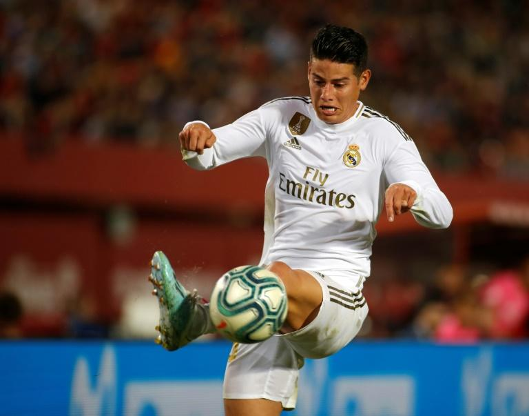 Real's James injures knee on Colombia duty