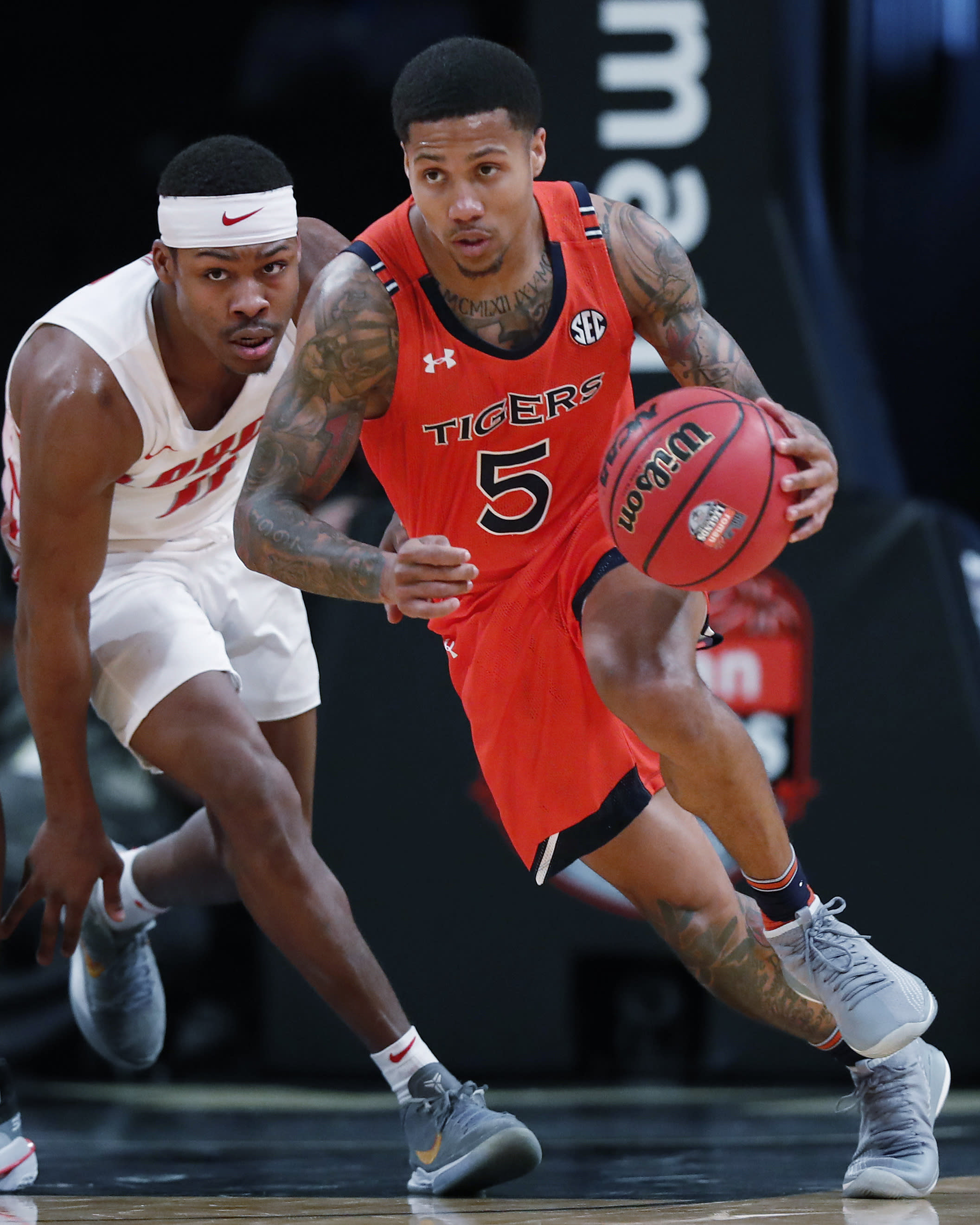 Doughty Helps No 18 Auburn Rout New Mexico 84 59
