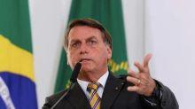 Bolsonaro diz que pandemia 'pode ser fabricada' e que pedidos de impeachment 'não darão em nada'