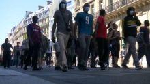 Paris: une manifestation pour la protection des sans-papiers malgré l'interdiction de la préfecture