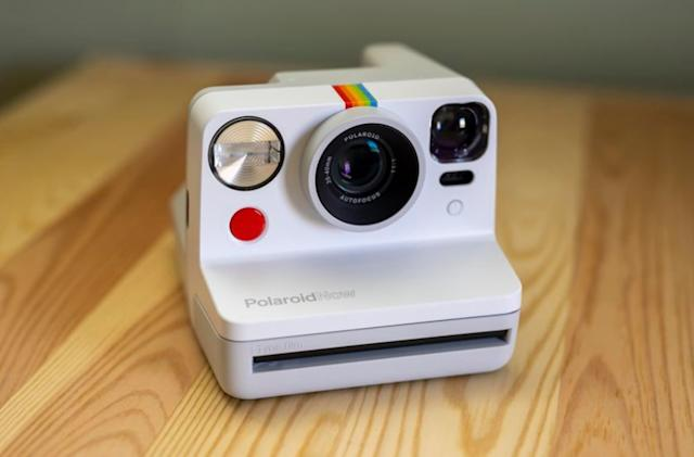 Polaroid's new $99 instant camera uses autofocus to change modes