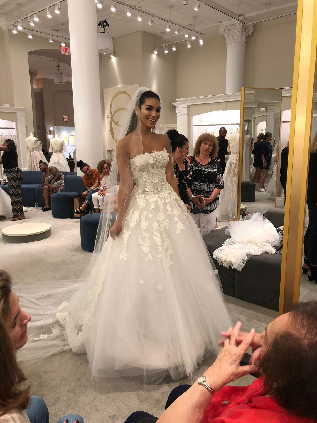 2de69d95865  Bachelor  Alum Ashley Iaconetti Goes Wedding Dress Shopping—and Buys Two  Gowns
