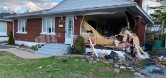 1 person dead after vehicle hits Ottawa home