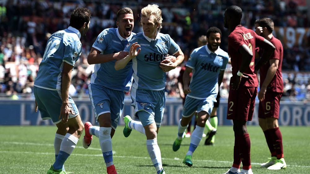 Derby alla Lazio, tifosi in festa: grande accoglienza a Formello