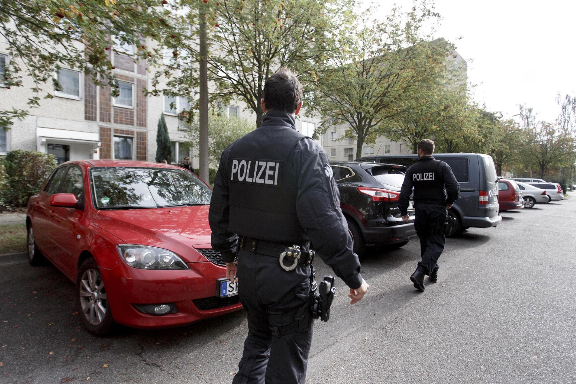 <p>German police outside of the apartment building where hours earlier police arrested Syrian terror suspect Jaber Al-Bakr on October 10, 2016 in Leipzig, Germany. (Carsten Koall/Getty Images) </p>