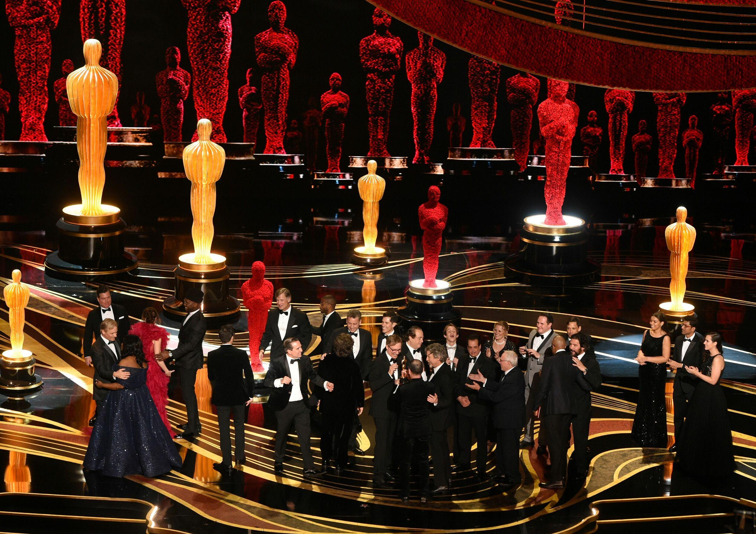 Producers of Best Picture nominee 'Green Book' Peter Farrelly and Nick Vallelonga accepts the award for Best Picture with the whole crew on stage during the 91st Annual Academy Awards at the Dolby Theatre in Hollywood, California on February 24, 2019. (Photo by VALERIE MACON / AFP)        (Photo credit should read VALERIE MACON/AFP/Getty Images)
