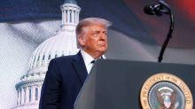 """Trump dice podría """"desvincularse"""" y no hacer negocios con China"""