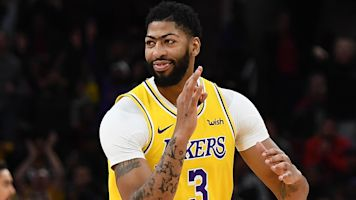 Hooray for Hollywood: AD at home with Lakers
