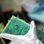 Memory Chipmaker Micron Raises Q2 Guidance Above Street Forecasts