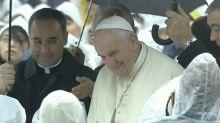 Papa: populismo più forte, narrativa sui migranti mi scandalizza