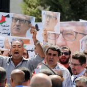 Jordanians protest writer's assassination, demand government resignation
