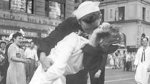 Sailor in iconic WWII kiss photo dies