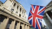 Bank of England Faces Conundrum, Pound Trades Lower